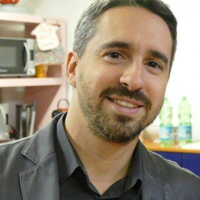 Alberto Oliva